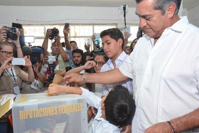 En entrevista con medios de comunicación, el gobernador de Nuevo León con licencia dijo estar listo para la jornada electoral, sin importar la votación que llegue a alcanzar.