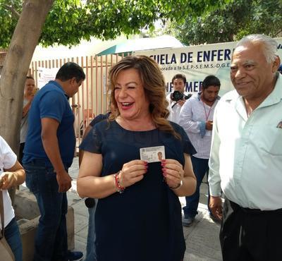 La alcaldesa Leticia Herrera Ale.