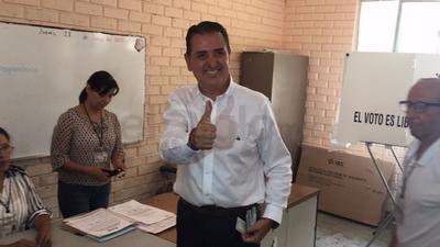 Gutiérrez Jardón ejerciendo su voto.