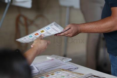 Duranguenses acuden a las urnas