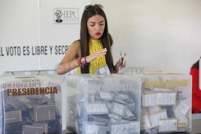Autoridades electorales proyectan una participación mayor al 63.3 por ciento de la elección 2012.