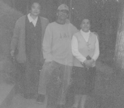 01072018 Madre Jesusita García y su sobrino, Manuel, en México en 1980.