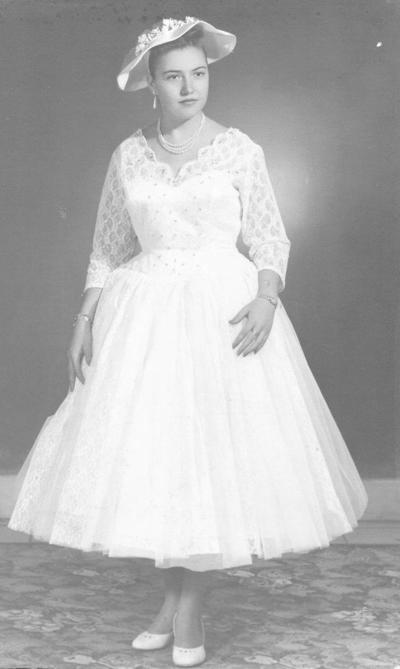 01072018 El 26 de junio, de hace 60 años, cumplió sus 15 primaveras la Srita. Socorro Virgil Moral, originaria de Gómez Placio, Durango.