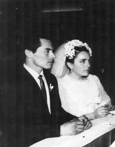 01072018 Matrimonio religioso del Sr. Francisco Javier del Hoyo y la Srita. Olivia Serna Lafuente, en La Capilla de la Iglesia de San José, el 16 de enero de 1971.