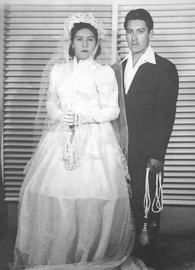 01072018 Alicia Muñoz Ramos y Sixto (f), el día de su boda en diciembre de 1953, en el Ejido Coyote, Coahuila.