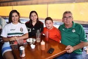 02072018 Cristina, Regina, Santiago y Abelardo.