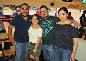 02072018 EN EL BOLICHE.  Pepe, Azeneth, Juan y Luz.