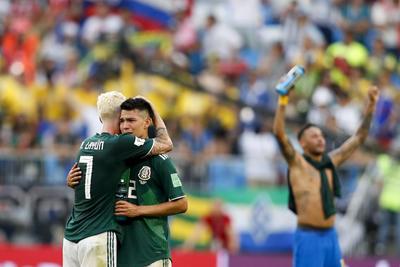 Lozano, desconsolado tras la derrota ante Brasil.