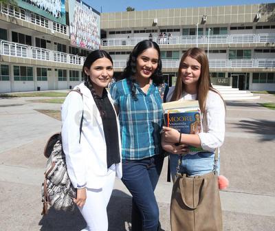 Karen Nuñez, Gema López y Larisa Hurtado.