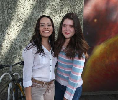Natalia Farina  y Alejandra Flores .