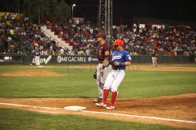 Generales cerró la primera entrada en orden, con elevados al central de Danny Núñez y Javier Salazar, además de un fly a segunda de Dustin Geiger.