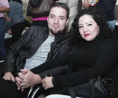 César Irigoyen y Samanta García.