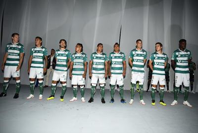 Santos Laguna presentó sus nuevos uniformes para la temporada 2018-2019.
