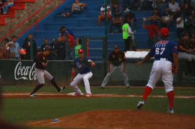 Después las acciones se neutralizaron, pero de nuevo los Algodoneros empezaron a responder a la ofensiva en el quinto rollo donde López, Jones y delgado llegaron a la casa para poner los números 6-1.