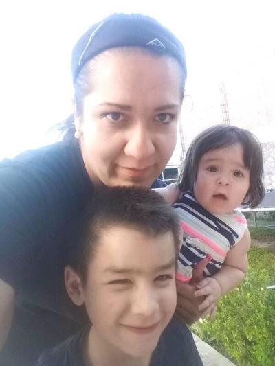 05072018 Alejandra con sus hijos, Paquito y Victoria.