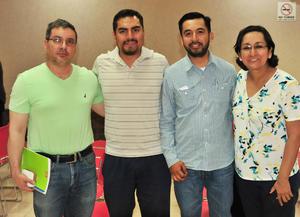 05072018 EN UNA CONFERENCIA.  Daniel, Aldo, José Luis y Verónica.