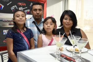 05072018 PRESENTACIóN DE AUTOS.  Familia Ramírez Camarillo.