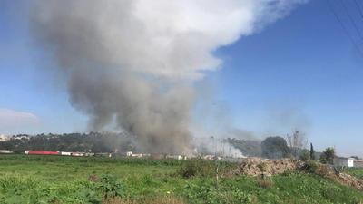 Al menos 19 personas, entre ellas bomberos y policías, murieron hoy y 40 resultaron heridas en una explosión ocurrida en un polvorín del municipio de Tultepec, en el Estado de México, informaron fuentes oficiales.