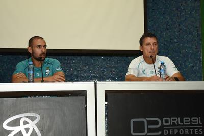 El mediocampista que portará el número 20 en los dorsales, llega a préstamo desde el Ascenso MX, donde llevaba un mes de pretemporada con los Toros Celaya, luego de haber militado por dos torneos con el Atlético San Luis.