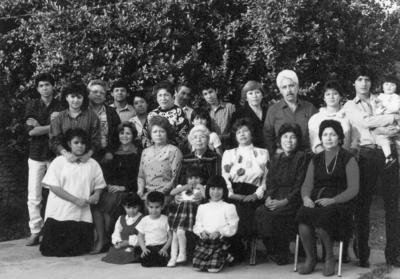 08072018 Familias Vázquez Rodiles, Vázquez Martínez, Vázquez Jara, Vázquez Corral y Vázquez García en reunión en 1988