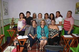 08072018 EN AMENA CHARLA.  Participantes del Curso de Aromaterapia vital impartido por Mariana Medina, del Instituto Mexicano de Aromaterapia.