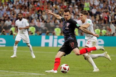 Mandzukic definió de espectacular forma ante la meta inglesa.