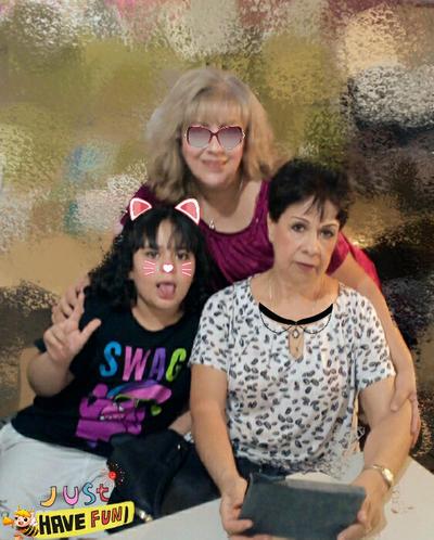 12072018 Tres generaciones: Allison, Caro y Cecy