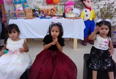 12072018 Nicole, Danna y Johana.