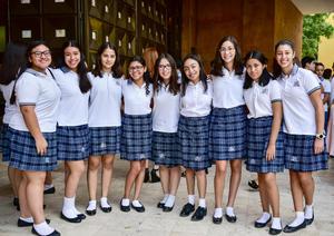 12072018 MUY CONTENTAS.  Alumnas de Secundaria del Tec de Monterrey.