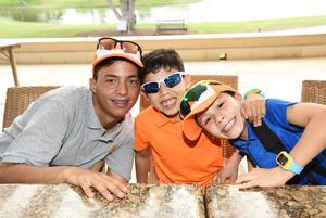 13072018 Antonio, Irvin y Cristian.