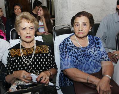 Maria León y María del Socorro Pérez.