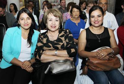 María, Cristina y Laura.