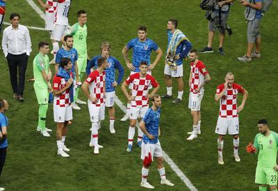 Los croatas esperan su medalla como subcampeones del mundo.