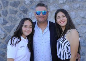15072018 Camila, Rubén y Valeria Flores.
