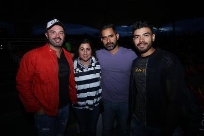 Jorge, Diana, Daniel e Israel.