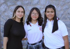 18072018 GRADUACIóN.  Jimena, Phoenix Fany y María Luna.