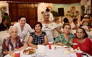 18072018 Yolanda Ramírez, Georgina García, Blanca Estela Barrios, Olga Ramírez, Gisela Nava y Oralia Martínez.