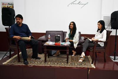 Los comentarios de Adriana Vargas, periodista cultural, y Salvador Álvarez, coordinador de Fomento Editorial de la Secretaría de Cultura, dieron el tono, uno ameno y empático.