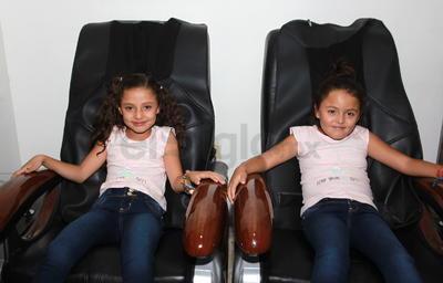Valeria y Camila.
