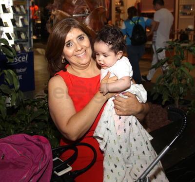 Mayela y Sarah.