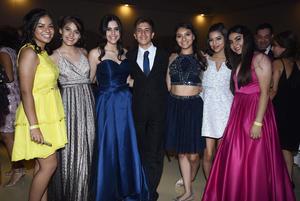 23072018 MUY CONTENTOS.  Alumnos del Colegio Cervantes en su fiesta de graduación.