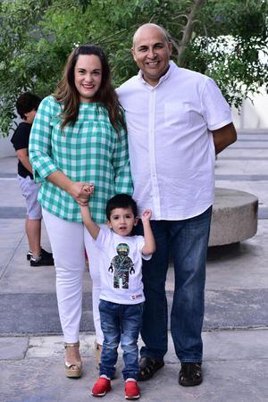 Alejandra  Guillermo y Eduardo