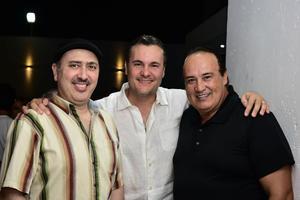 Humberto  Agustin y Wadis