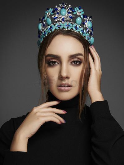 Participó en el Best Model of the World 2013-2014 realizado en Bulgaria y Miss Tourism Queen of the Year 2015 en Malasia.