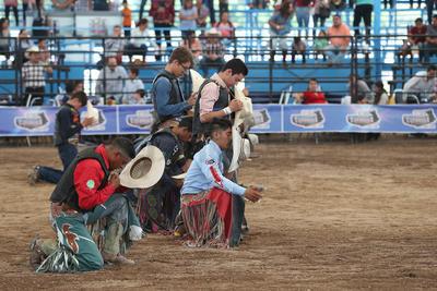 Después de 20 emocionantes montas de toro, en la categoría Mayor, el primer lugar se lo llevó Ricardo Gonzalez, de Chihuahua, quien demostró su talento.