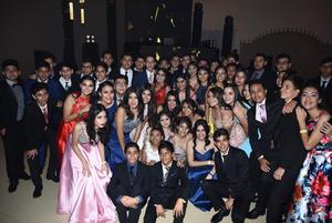 25072018 LA FOTO DEL RECUERDO.  Alumnos del Colegio Cervantes en su fiesta de graduación.