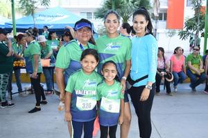 25072018 CARRERA.  Ale, Marce, Mónica, Sara y Valentina.