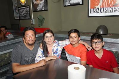 Santiago, Rocío, Santiago y Gonzalo.
