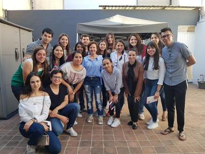 26072018 En el Atelier de la diseñadora Alejandra Aceves con Pineda Damián y los alumnos del Semestre i.