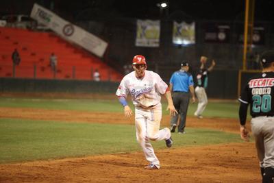 Por segundo día consecutivo el tercer inning fue de pesadilla para los Generales de Durango ante los Saraperos de Saltillo.